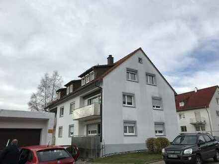Erstbezug nach Renovierung: freundliche 3-Zimmer-DG-Wohnung zur Miete in Heidenheim (Kreis)