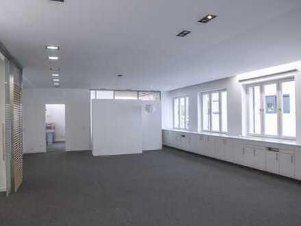 Attraktive helle Bürofläche in zentraler, grüner Lage neben der Münchner Freiheit - provisionsfrei