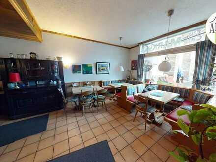 Voll eingerichtetes Café / Bistro mit Terrasse in der Nähe vom Marktplatz!