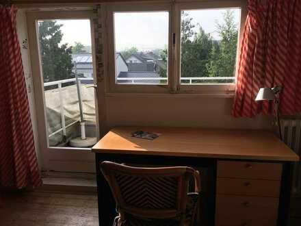 Vermiete Dachgeschoss-Zimmer in Bonn-Bad Godesberg (14,6 qm) an Studierende oder Berufstätige