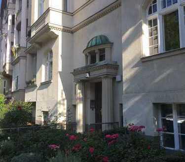 Traumhafte 6-Zimmer Altbauwohnung mit Dachterrasse nahe Steglitzer Park