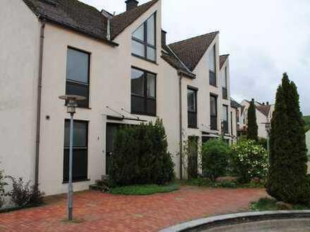 2 Wohnungen in einem Haus mit West- Ausrichtung, Balkon - ruhig mit Garten & Spielplatznutzung TOP