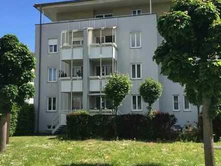 KESTLER IMMOBILIEN IVD - Helle 3-Zimmer-Wohnung mit Loggia - TG - Schöne Lage
