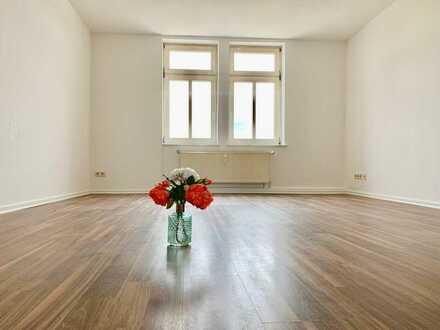 Erstbezug nach Renovierung.  Geräumige und günstige 4-Zimmer-Dachgeschosswohnung