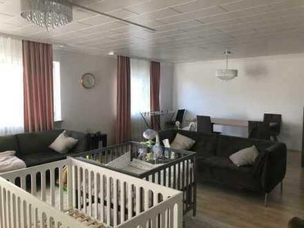 Schöne vier Zimmer Wohnung in Rhein-Neckar-Kreis, Sinsheim Ortsteil