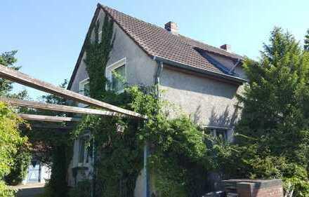 3-Zimmer-Wohnung im 1.OG eines gepflegten 2-Fam.-Hauses in Melverode ! !