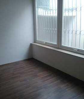 Erdgeschosswohnlage als Wohnung oder Büro nutzbar