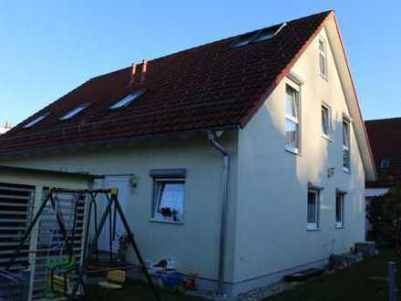 Schöne DHH mit fünf Zimmern in Fürstenfeldbruck (Kreis), Gröbenzell