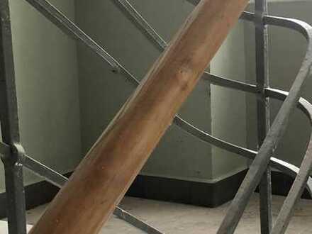 5 Zimmer Altbauwohnung, frisch renoviert in Top- Lage.