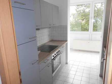 **Hübsche Single-Wohnung mit Einbauküche und Wintergarten am Schlobigpark**