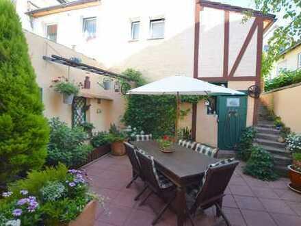 Stadthaus in zentraler Lage - auch ideal zum Wohnen & Arbeiten unter einem Dach!
