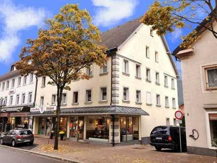 Gepflegte Wohnung, 2 Zi. + offener Wo.-/Kü.-/Ess-Bereich im Zentrum von T.-Neustadt