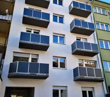 ERSTBEZUG nach Kernsanierung - 4 Zimmer-Wohnung im Ortskern von Mannheim-Lindenhof