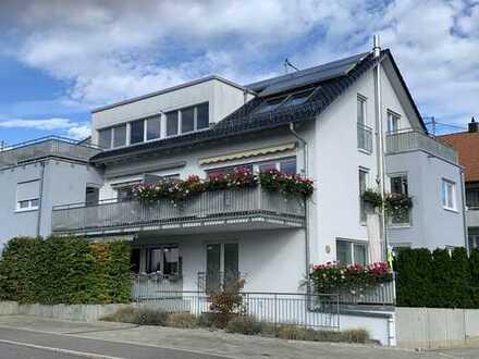 Exklusive 4,5 Zimmer DG.- Wohnung mit Einbauküche, Dachterrasse, Aufzug, Garage und HMS