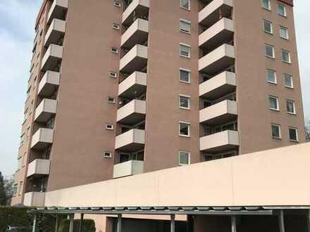 Attraktive 3,5-Zimmer-Wohnung mit 2 Balkonen und EBK in Tübingen