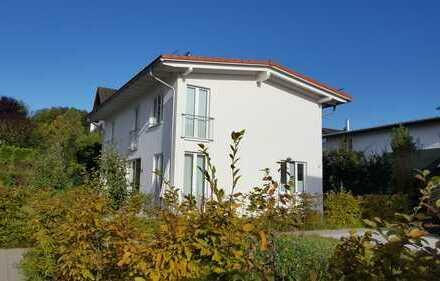 Kleine Doppelhaushälfte Bj.2016 mit 3-Zimmer und Garten Starnberg-Nähe S-Bahnhaltestelle