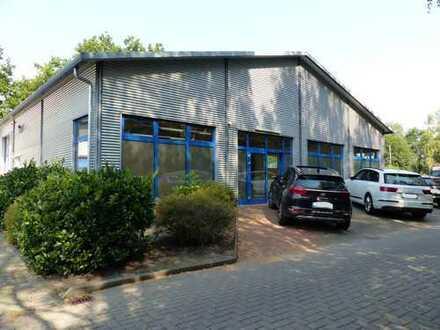 Gewerbehalle mit Büro in Ritterhude/Platjenwerbe
