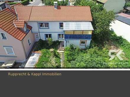 Einfamilienhaus mit Balkon und Garten in schöner Siedlung Erbendorf