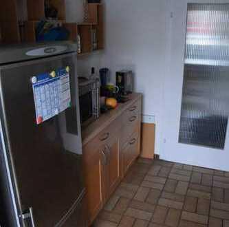 Exklusive, sanierte 3-Zimmer-Wohnung mit Balkon in Filderstadt