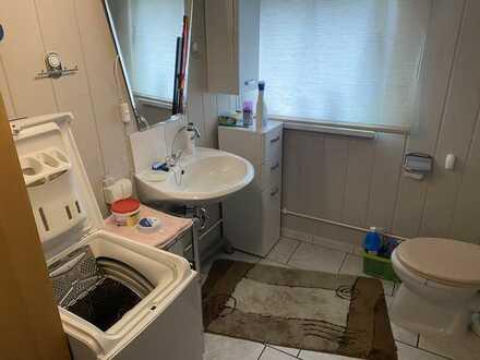 Erschwingliche und modernisierte 2-Zimmer-Wohnung mit Einbauküche und Balkon in Parchim