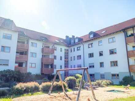 Schöne 2-Zimmer-Dachgeschosswohnung - sofort bezugsfertig, perfekt für Kapitalanleger & Eigennutzer