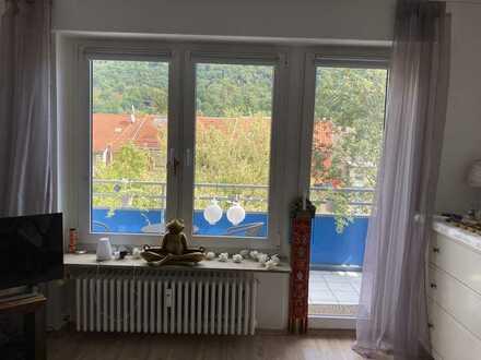 Schöne, helle 1-Zimmer-Wohnung mit Balkon und wunderschöner Aussicht in Heidelberg
