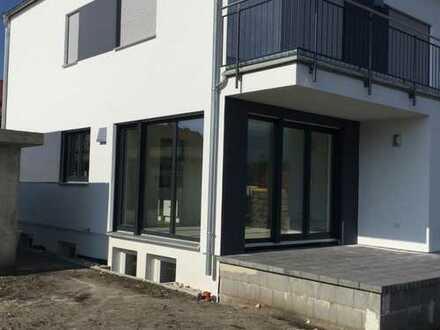 Schönes Haus mit sechs Zimmern in Neuburg-Schrobenhausen (Kreis), Karlshuld