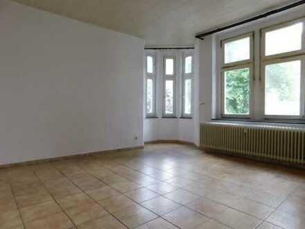 frisch renovierte Wohnung in gepflegtem Mehrfamilienhaus in Familienfreundlicher Lage
