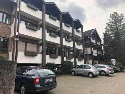 Wunderschöne 2 Zimmer Wohnung, mit Einbauküche, Balkon und Fitnessstudio TSV Victoria im EG