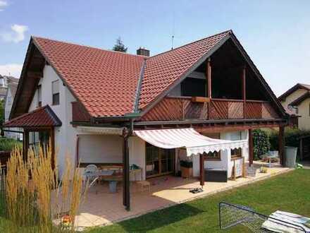 Einzigartig und grenzenlos! Einfamilienhaus mit Einliegerwohnung in ruhiger Wohnlage