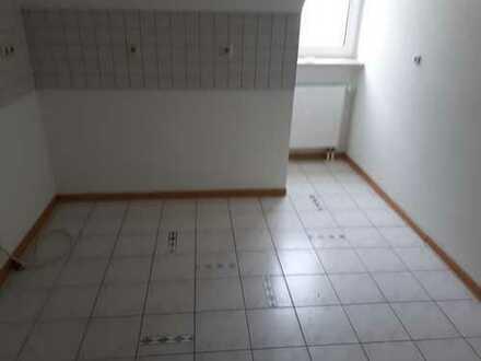 Erstbezug nach Teilsanierung: attraktive 3-Zimmer-Dachgeschosswohnung in Zella-Mehlis