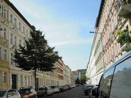 Schleußig; 4-Zimmer-Wohnung mit Balkon