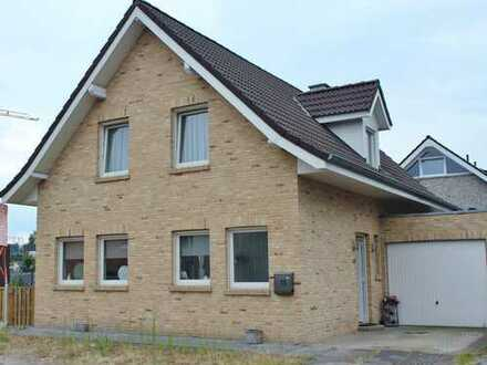 ***Europa-Makler*** Gemütliches charmantes Einfamilienhaus mit Garage gelegen in Gronau.