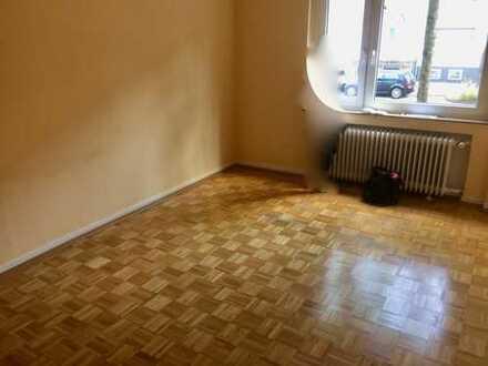 Stilvolle, gepflegte 3-Zimmer-Hochparterre-Wohnung mit Balkon in Lindenthal, Köln