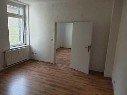 Schöne & helle 1-Zimmer Altbauwohnung!