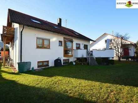 Freistehendes, gepflegtes 1-2 Familienhaus mit Doppelgarage in guter und sonniger Lage!