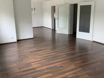 Gepflegte 3-Zimmer-Wohnung mit Balkon und Einbauküche in Baden-Baden