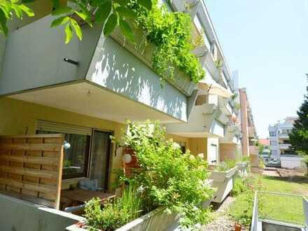 2,5-Zi.-Hochparterre-Wohnung mit ca.9m² Südloggia in den ruhigen Innenhof in Rgbg Süd/Kumpfmühl