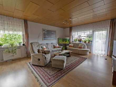 Schöne 5-Zimmer-Wohnung mit Balkon und EBK in Heppenheim (Bergstraße)