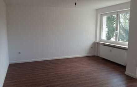 Erstbezug nach Sanierung mit Einbauküche und Balkon: schöne 3-Zimmer-Wohnung in Bremen
