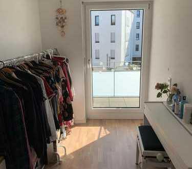 Luxuriöse 2 Zimmer mit Balkon in Berufstätigen-WG
