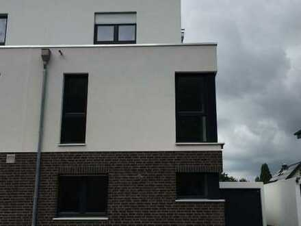 Erstbezug - hochwertige Doppelhaushälfte im Krefelder Süden