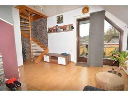 Gemütliche 2-Zi.-Maisonette-Wohnung inkl. EBK & Balkon & Garage - Nähe Weitramsdorf