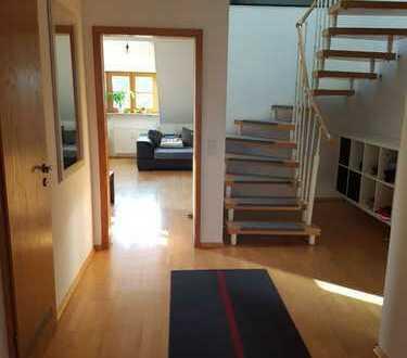 Leben auf 2 Ebenen / Helle 4-Zimmer Maisonette-Wohung