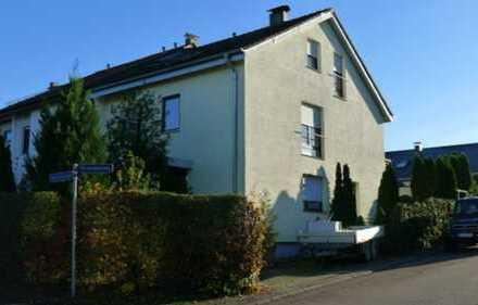 Schönes RE Haus mit acht Zimmern in Esslingen (Kreis), Deizisau