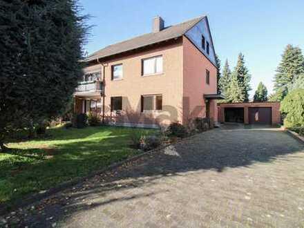 Zweifamilienhaus mit einer vermieteten Einheit und ausbaubarem DG in Lichtendorf