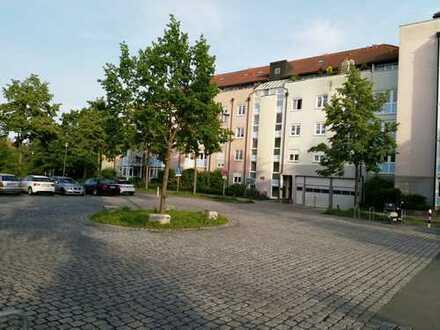 Gepflegte 3-Zimmer-Wohnung mit Balkon und EBK in Erlangen
