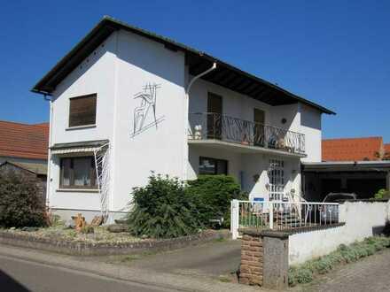 Freistehendes Einfamilienhaus mit uneinsehbarem Garten in Harthausen