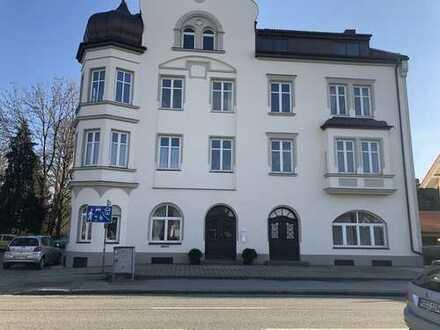 Nachmieter für unglaublich beeindruckender, schlossartiger Gebäude in rosenheim