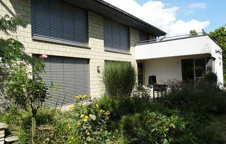 Barrierefrei! Freistehendes Haus mit großem Garten in Troisdorf Eschmar